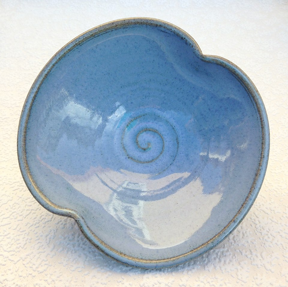 Stoneware Pottery Bow Bowl